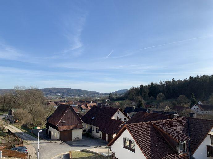 Einziehen und wohlfühlen! DHH in Ebermannstadt-OT Rüssenbach ab sofort zu vermieten