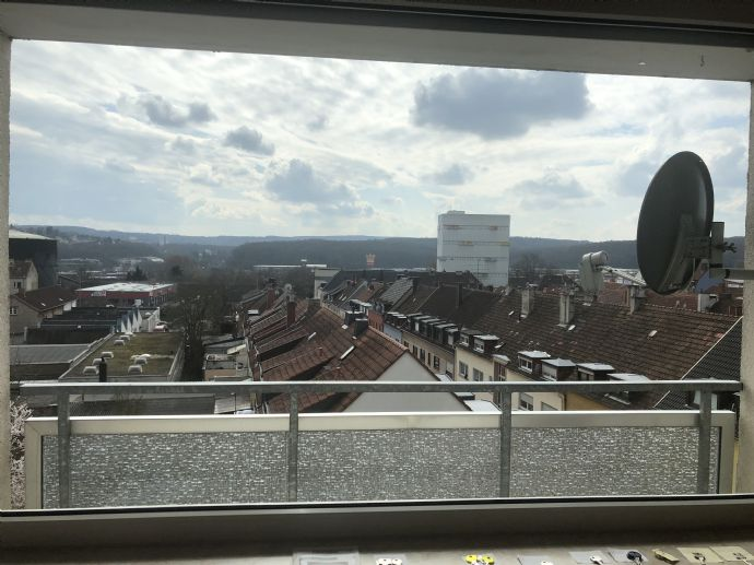 schöne, helle Wohnung mit Balkon und herrlichem Fernblick