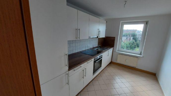 3-Raum Maisonettewohnung mit Einbauküche im Dachgeschoss!