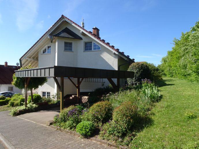 Gut konzipiertes und gepflegtes Anwesen für die große Familie in schöner Wohnlage von Großseelheim