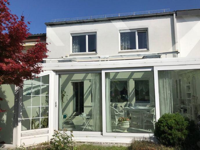 Großes, gepflegtes Haus mit sieben Zimmern in ruhiger, zentraler Lage in Kornwestheim-Ost