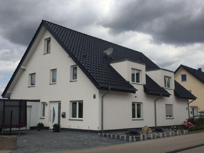 Neubau Doppelhaushälfte für Ihre Familie.