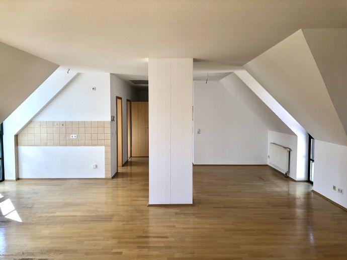 Gemütliche Wohnung mit offenem Wohn-, Ess- u. Küchenbereich