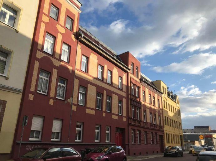 Schicke 2-Raumwohnung mit Balkon Nähe Steintor zu vermieten.