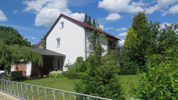 Liebevoll gepflegtes EFH mit Doppelgarage in Speichersdorf, EG+OG+ nicht ausgebautes DG