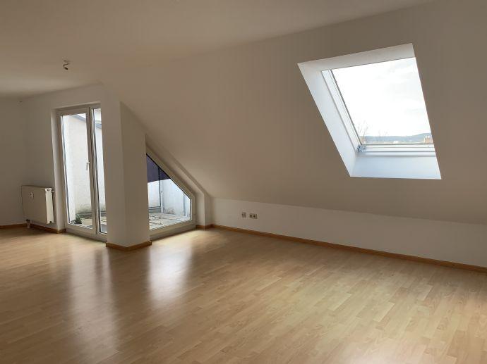 Helles 1-Zimmer Apartment mit Loggia