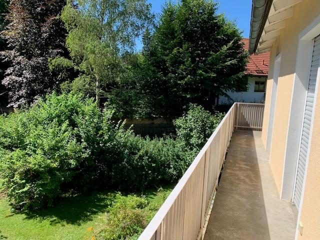 Grünwald; Zweifamilienhaus mit 800 m² Grund in guter und ruhiger Lage zu vermieten
