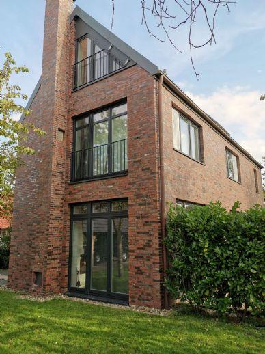 Großzügiges Wohnen mit Terrasse und Garten - 5 Zi. auf 2 Ebene in Jork
