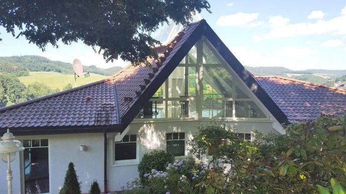 RESERVIERT! Außergewöhnliche Villa in idyllischer Lage vor den Toren Weinheims