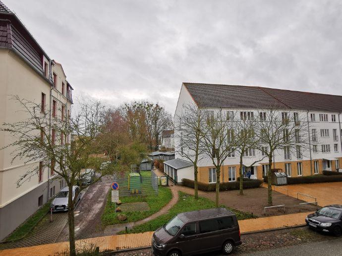 Helle 2-Zimmer-Wohnung mit großzügigen 63 m² in der Feldstadt