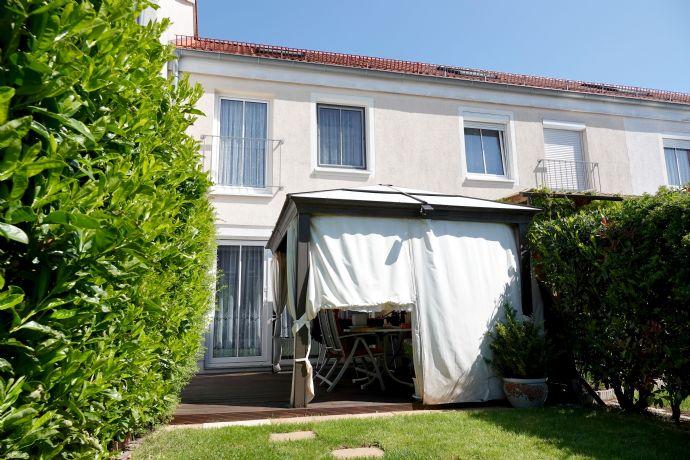 Für Pärchen & Familien: Schönes Reihenhaus mit sonniger Terrasse und Garten in guter Wohnlage