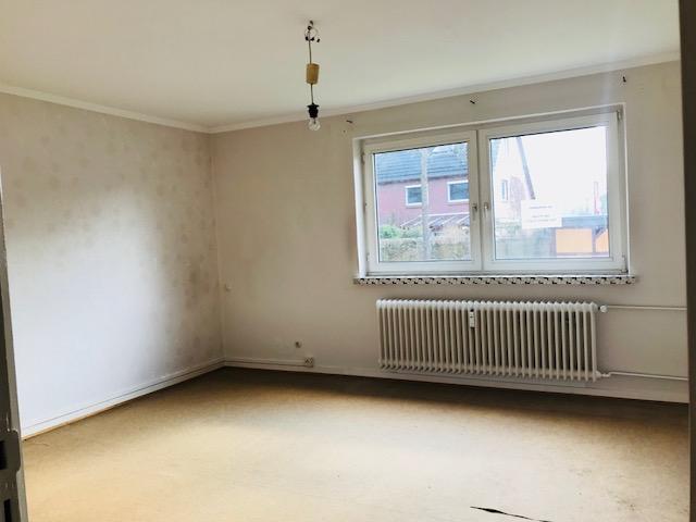 Pinneberg - Ruhige Lage - Renovierungsbedürftige 2,5 Zimmer Wohnung