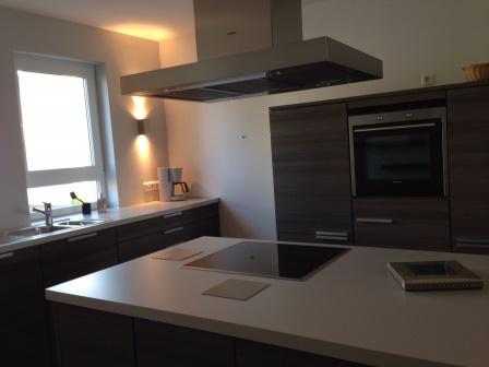 Voll ausgestattete moderne 3-Zimmer-Wohnung mit