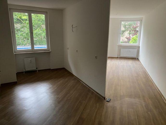 Erstbezug nach Sanierung: 3 Zimmerwohnung mit 90qm, 2 Balkone, TG Stellplatz