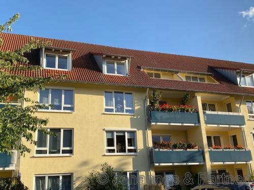 2-Zimmer-Wohnung im Dach mit Balkon
