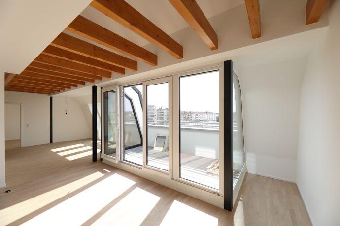 Dachgeschoss Wohnung mit Galerie über den Dächern von Fürth