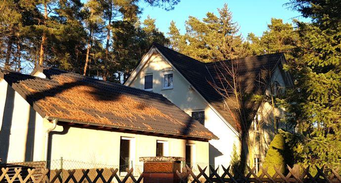 3-Familien-Haus in exklusiver Grünlage mit hervorragender City-Anbindung: (RE: Charlottenburg 20min +++ Zoo 25 min +++ Berlin Hauptbahnhof 30 min)