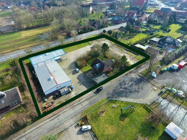 Wohnhaus mit 2 Lager-/Montagehallen an der B73, im Gewerbegebiet Cadenberge