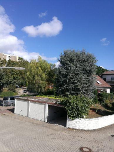 Mehrgenerationenhaus mit wunderschönem Grundstück in Frankfurt-Bonames sucht neue Besitzer ?