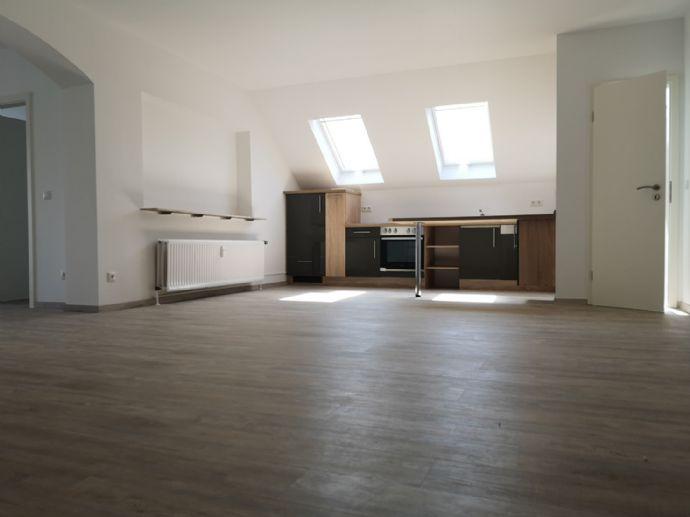 Komplett saniert! 2,5 Zimmer Wohnung in Walldorf