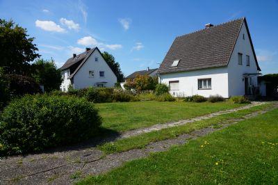 besonders schönes, ruhig und zentral gelegenes Grundstück mit Altbestand - bauen Sie Ihre Traumvilla, nur ca. 35 Min. bis München Ost