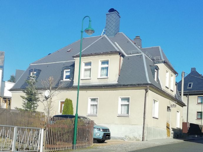 Wohnhaus mit Gewerbeeinheit nahe Aue