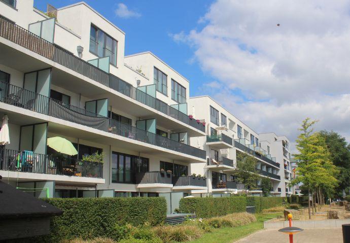 Schöne 2,5-Zimmer-Maisonette-Wohnung mit Balkon