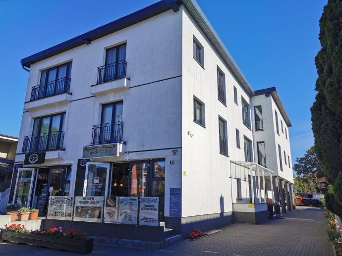 Hochwertige und moderne 4-Zimmer-Wohnung / Endetage mit tollen Ausblick in zentraler Lage.