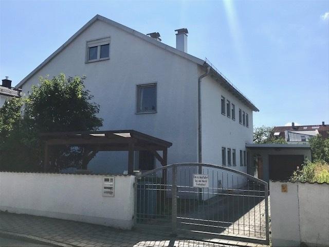 Großzügiges Haus für 3 Familien geeignet