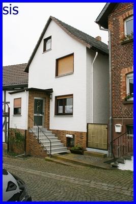 ein echtes schmuckst ck einfamilienhaus mit balkon und. Black Bedroom Furniture Sets. Home Design Ideas