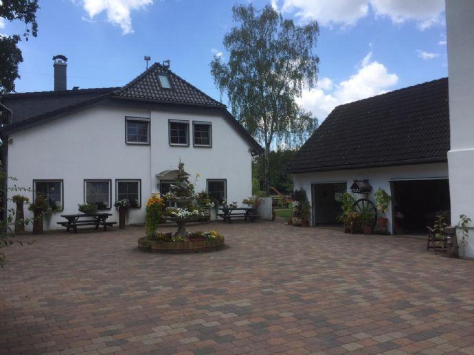 Freistehendes Einfamilienhaus mit Pension, Reithalle und Stall auf ca. 18.000,00 m² Grundstück ***Makler- und Provisionsfrei***