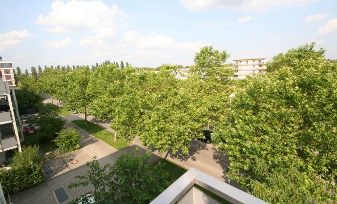 Ingolstadt-Friedrichshofen Helle moderne Wohnung mit