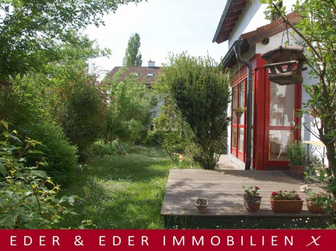 Architektonisch sehr interessante Split-Level- Doppelhaushälfte mit Charme in bester, familienfreundlicher Wohnlage in Wasserburg a. Inn!