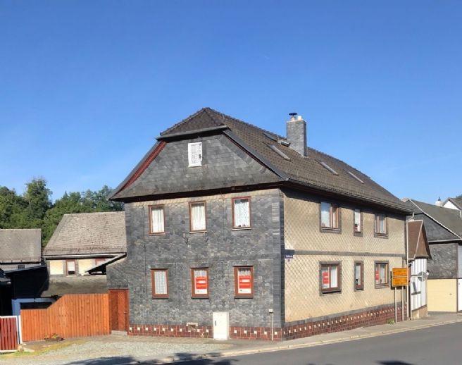 teilsaniertes Einfamilienhaus in Top Lage von Probstzella