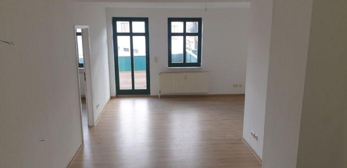 großzügige und helle 2 5-Zimmer-Wohnung