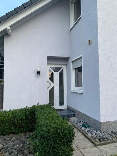 Reihenendhaus Bj. 2000 mit über 400m² Grundstück, Garage, Stellplatz und Südgarten in netter Nachbarschaft von Oerlinghausen