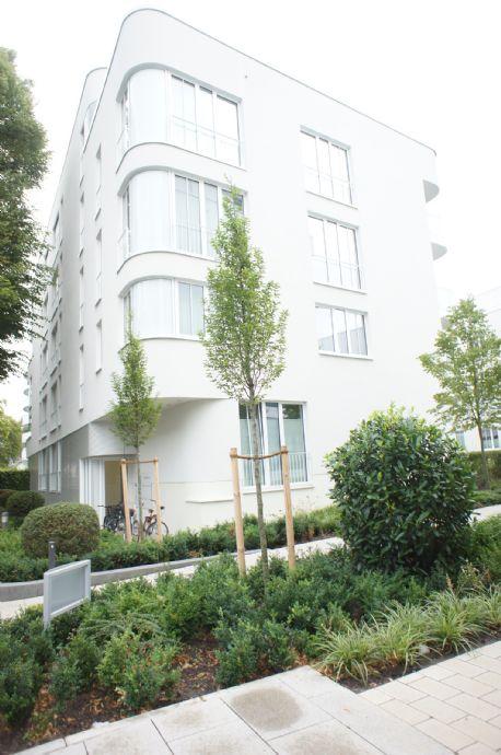 Helle 3 Zimmerwohnung, Badestraße 6 im 1.OG mit Südbalkon