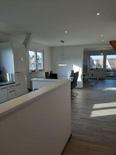 Erstbezug nach Kernsanierung - Helle 3 Zimmer Wohnung von Privat am Waldrand in Erlangen Bruck