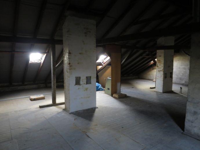 1/7 ANTEIL an Dachbodenrohling * Baugenehmigung lag vor