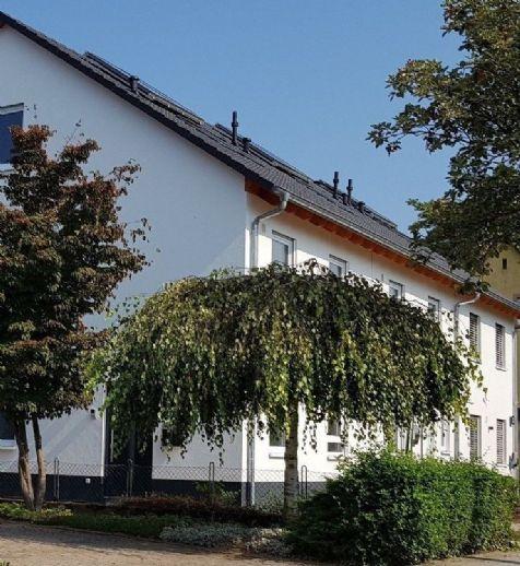 Neckarhausen **attraktive Doppelhaushälfte** in bester SÜD/WEST - Lage...!