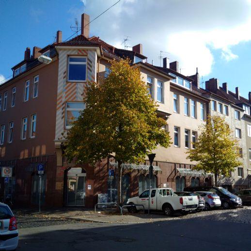 Schöne Drei-Zimmer-Wohnung am Neustädter Markt mit Balkon
