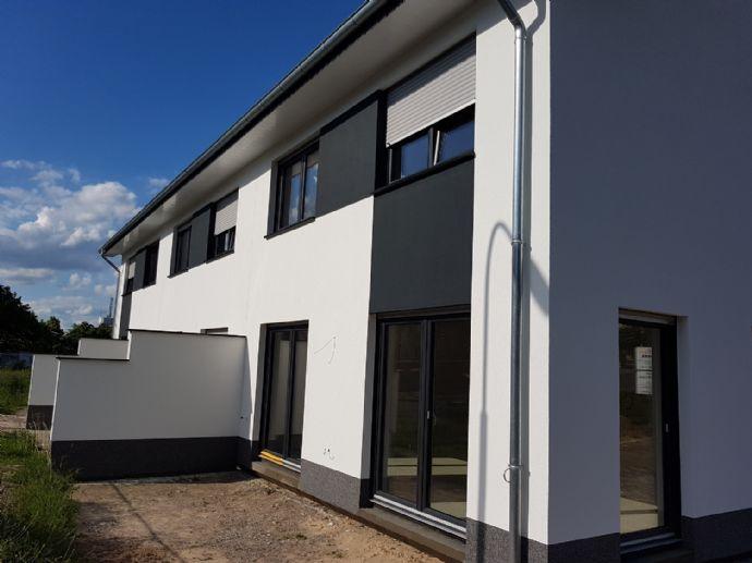 Provision frei !! Der Bau geht zu Ende !!!..KFW 55 Niedrigenergiehaus in Löhne !!
