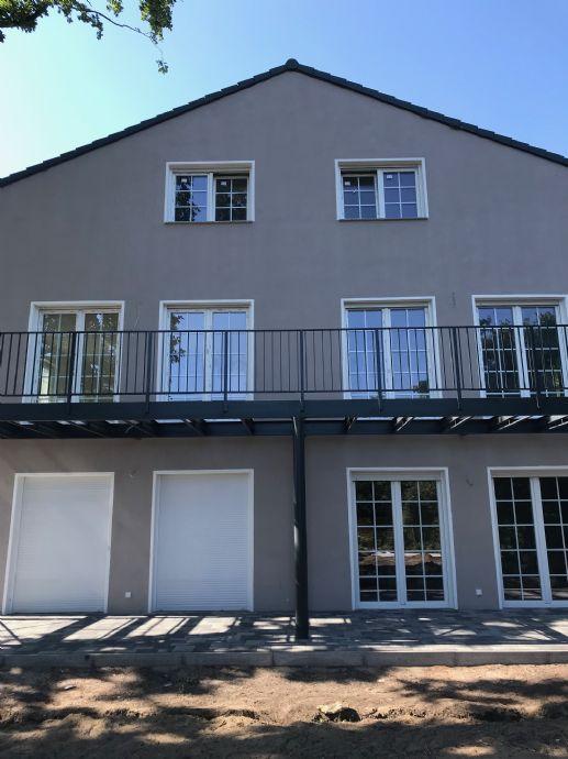 4-Raum-Wohnung mit Balkon und Gartennutzung der