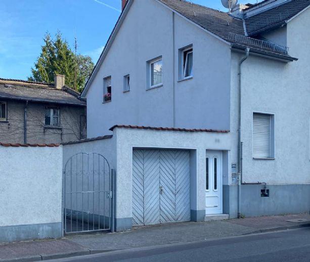 Einmalige Gelegenheit - 2 Familienhaus + Hinterhaus auf BAUGRUNDSTÜCK  (Kein Erbpacht) in Frankfurt