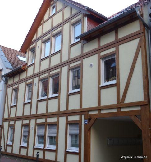 Wohnen in der Altstadt im Neubau, Tageslicht-Bad mit Wanne und Dusche, Balkon