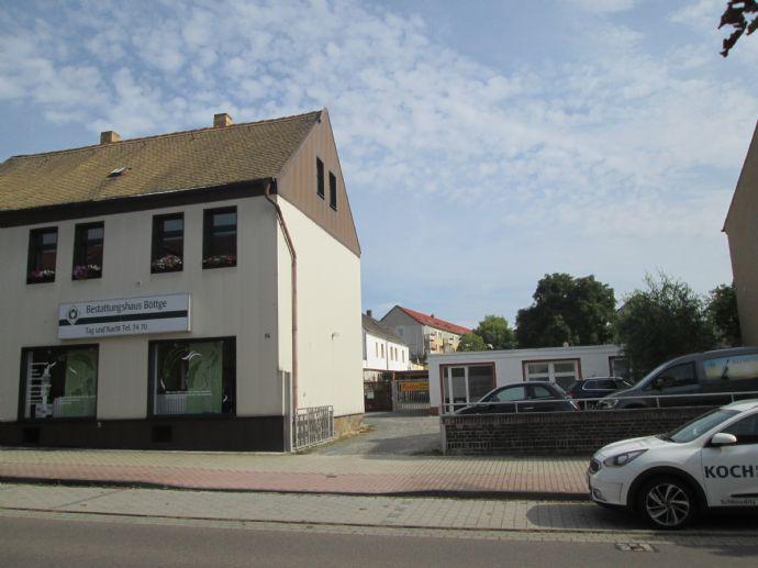 Großes Grundstück zum Wohnen -Gewerbe möglich- im Zentrum von Schkeuditz mit Erweiterungspotential