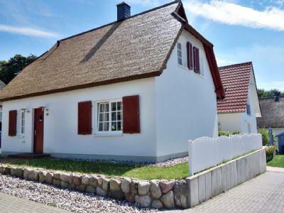 Wunderschönes Ferienhaus unter Reet für max. 6 Personen - 3 Schlafz., 2 Bäder, Terrasse, Stellplätze