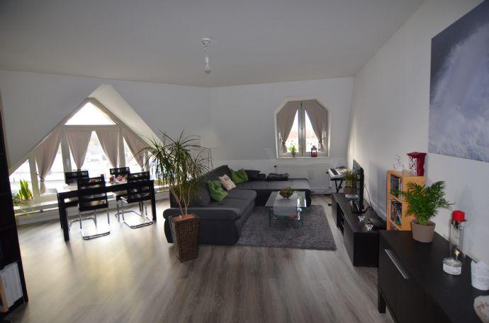 Lichterfüllte 2- Zimmer Wohnung über den Dächern der Delmenhorster Innenstadt