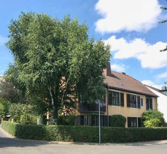 Repräsentative, stilvolle Villa mit Ausbaureserve, Großes Grundstück mit gepflegtem Garten in guter Wohnlage