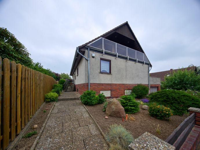 Freistehendes Einfamilienhaus mit Fernblick in Feldrandlage